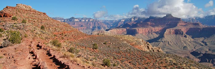 Panoramic view along the South Kaibab Trail on Mormon Flats | Photo courtesy of NPS by Mike Quinn
