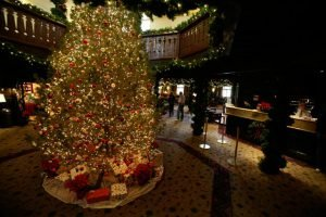Christmas in the El Tovar Lobby | Photo by Mike Buchheit
