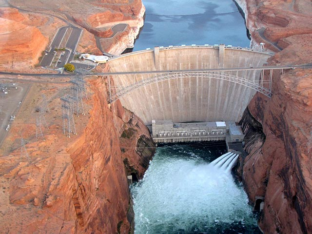 Glen Canyon Dam - NPS Photo by S. Rohde